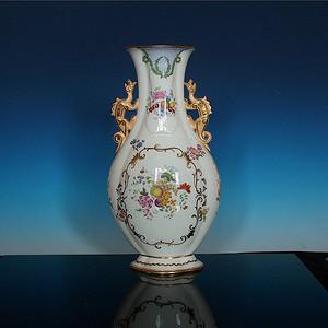 五十年代出口仿乾隆兽耳广彩海棠瓶