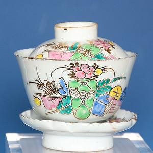 民国粉彩葵口盖碗茶盏