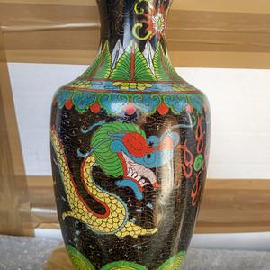 清代铜胎双龙戏珠纹瓶