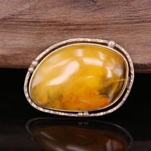 收藏级 15.7g金绞蜜蜡银镶嵌胸针