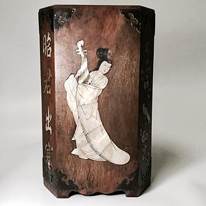 民国时期 花梨木镶嵌螺钿美人笔筒