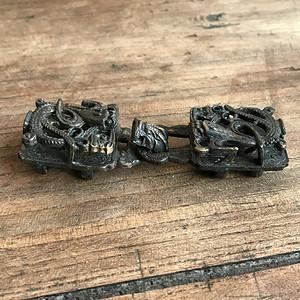 精品 清代铜制镂空龙纹带扣一对