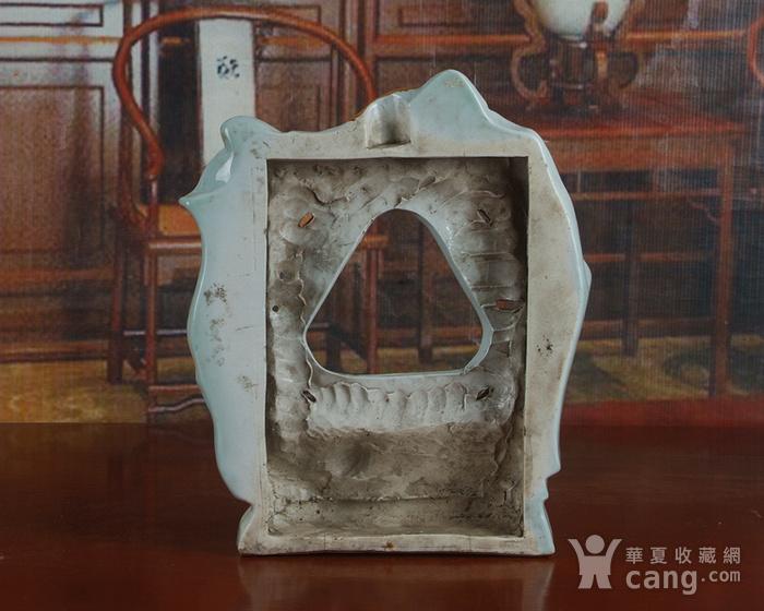 景德镇文革老厂瓷器 雕塑豆青釉粉彩描金敦煌图摆件图6