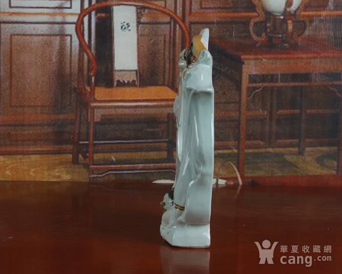 景德镇文革老厂瓷器 雕塑豆青釉粉彩描金敦煌图摆件图7