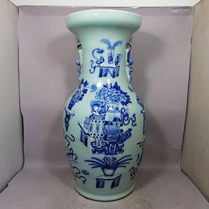 清代豆青清供博古绘画双耳赏瓶
