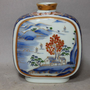 清代青花加彩山水双面绘画扁瓶