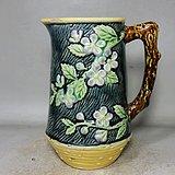 民国粉彩梅花堆塑绘画杯
