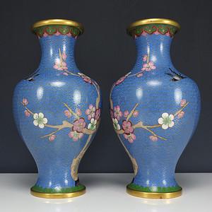 二十世纪 铜胎掐丝珐琅 梅花纹 橄榄瓶一对