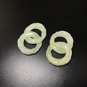 精品收藏级 清代老翡翠雕龙头耳环一对