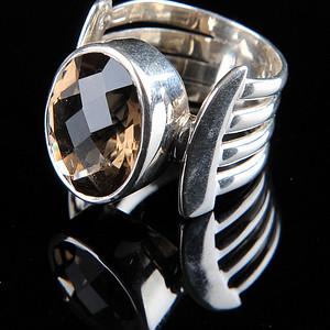 时尚纯银镶茶晶戒指