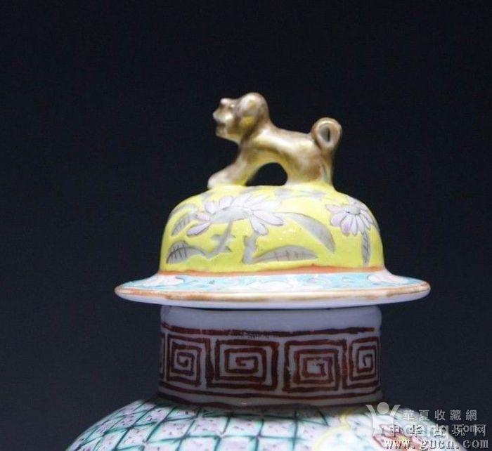 黄地粉彩描金双龙瓶图5