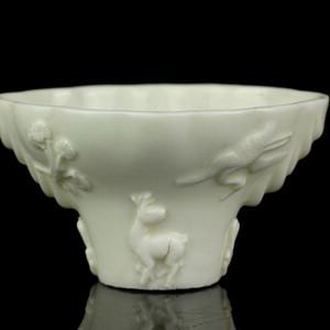 18号拍品 清早期德化窑白釉龙虎杯