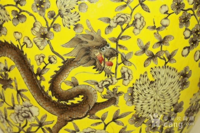 清大雅斋风格黄地粉彩龙纹大画缸 带老红木底座图6