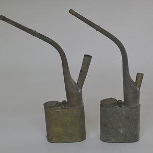 两个老铜烟斗