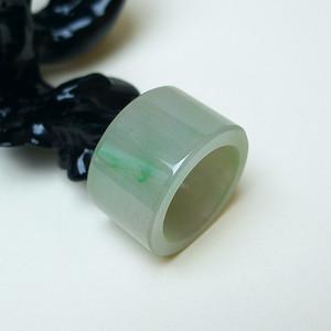 冰润绿精美扳指