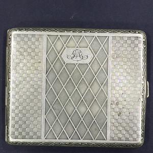 8027欧洲老合成银族徽款烟盒