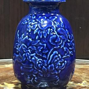 118 蓝釉花卉诗文象腿瓶