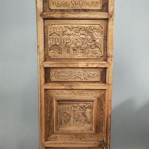 一片漂亮的楠木清雕人物板