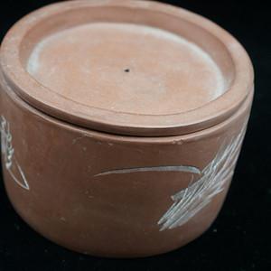 回流的  183 文革紫砂器书画合盖罐 有制款章印记