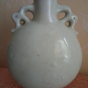 联盟 清晚期:白釉包月瓶