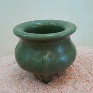 联盟 清晚期:龙泉窑鬲式小香炉