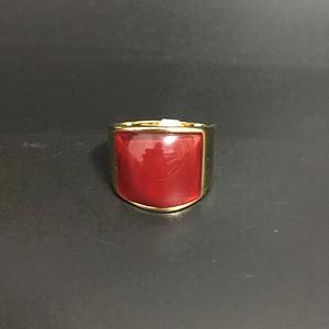 18k金镶嵌红宝石戒指