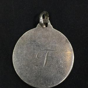 8096英国带家族款银坠