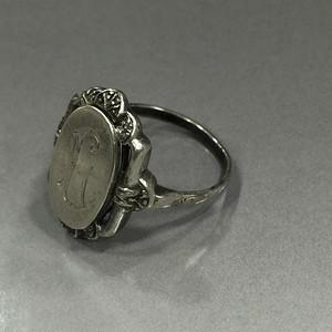 8100欧洲带族徽款老银戒指
