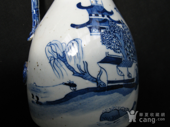 青花山水蟠龙摇铃瓶图8