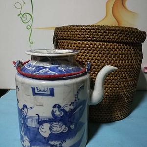 原装保温桶青花人物茶壶一套