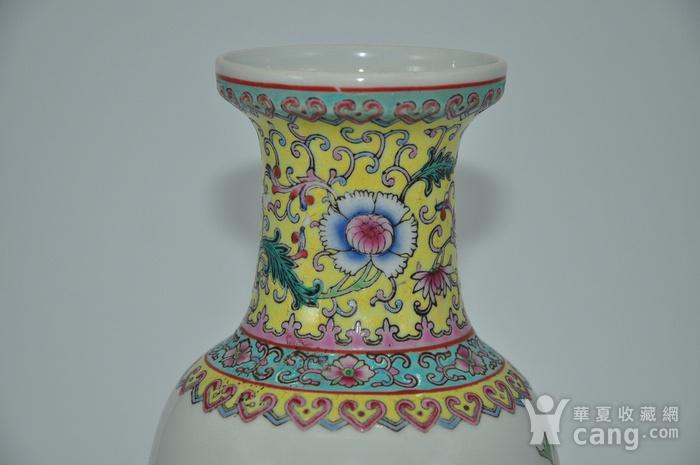 景德镇粉彩瓷瓶图5