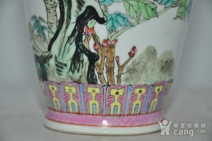 景德镇粉彩瓷瓶图9