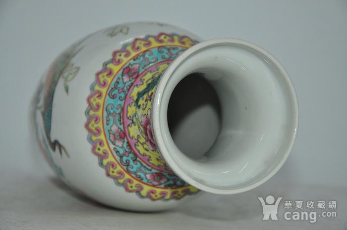 景德镇粉彩瓷瓶图11