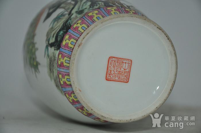 景德镇粉彩瓷瓶图12
