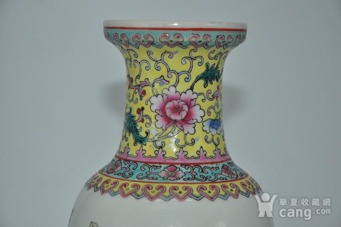 景德镇粉彩瓷瓶图4