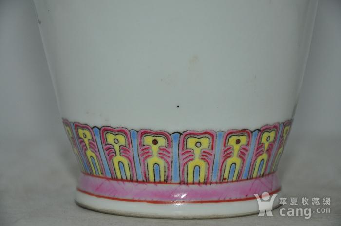 景德镇粉彩瓷瓶图10