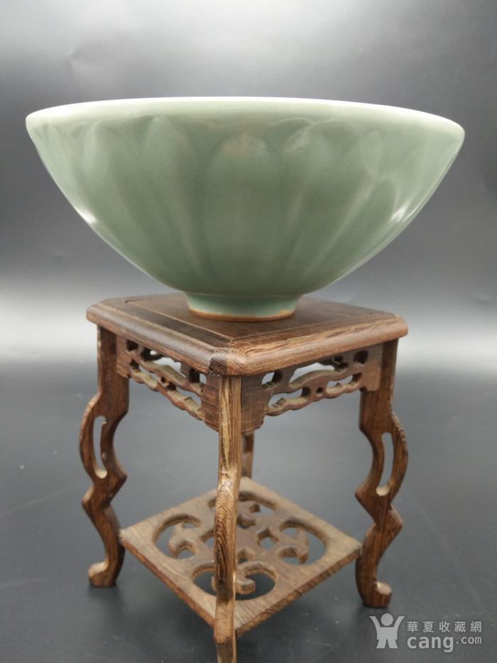 龙泉窑梅子青碗图1