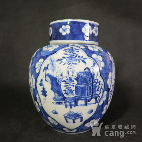 清代22cm博古清供青花盖罐图1