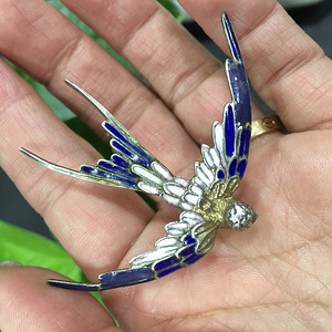 8110银珐琅飞鸟胸针
