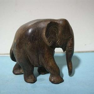 清代榨榛木小象摆件