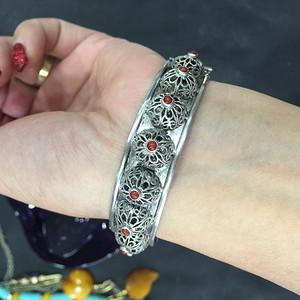8117欧洲手工银掐丝工艺嵌珊瑚手镯