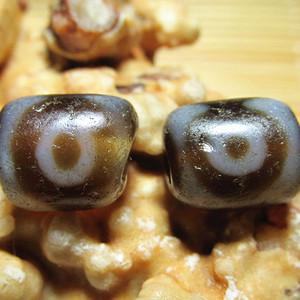 三眼天珠 对 包浆老道 皮壳熟润 氧化清晰