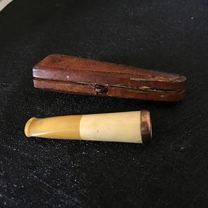 国内现货  欧洲老的二代蜜蜡加骨质烟嘴