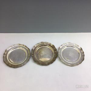 19世纪欧洲品牌铜镀银瓜棱小盘一组3个