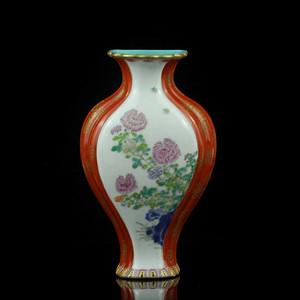 26清晚粉彩矾红描金开光洞石花卉纹壁瓶