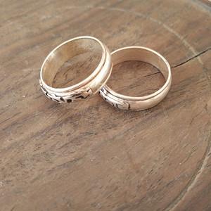 一对藏式老银戒指