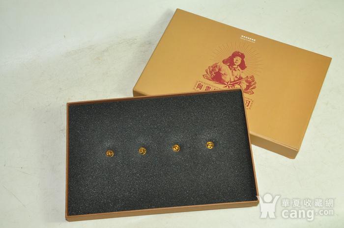 毛主席向雷锋同志学习发表五十周年纪念邮票珍藏两套图3