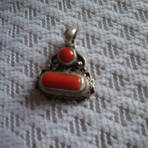纯银镶红珊瑚挂件