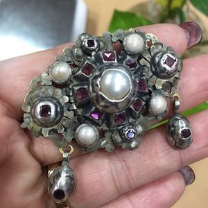 8122欧洲嵌珍珠宝石胸针