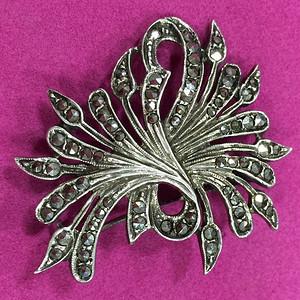 8136欧洲老银嵌铁矿石胸针